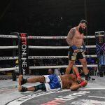 Lutador de MMA de 38 anos de idade morre após estreia em evento de boxe sem luvas
